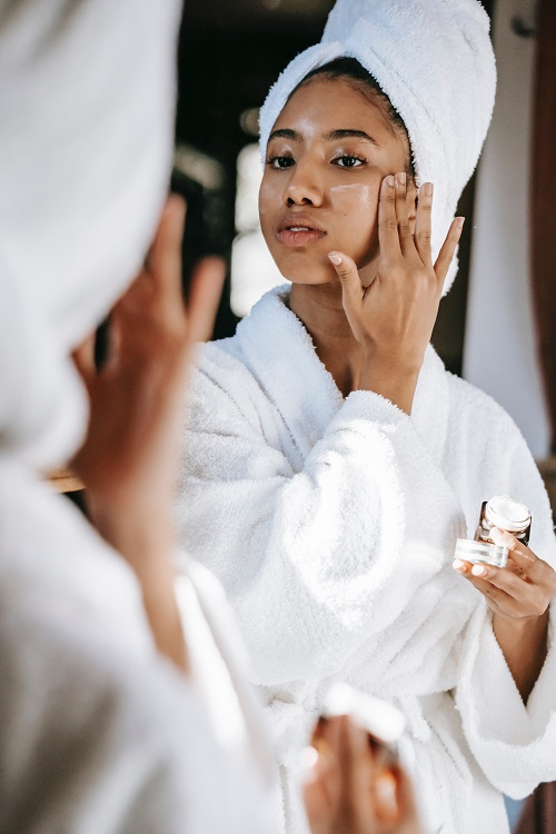Should You Be Using Anti-Aging Skincare Products?