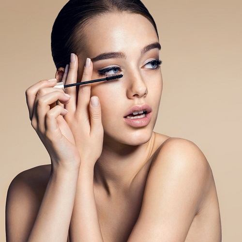 Top 10 Best Long-Lasting Makeup Products 2021